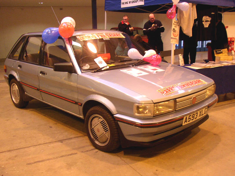 MG Maestro 1600 with balloons - Click to Enlarge